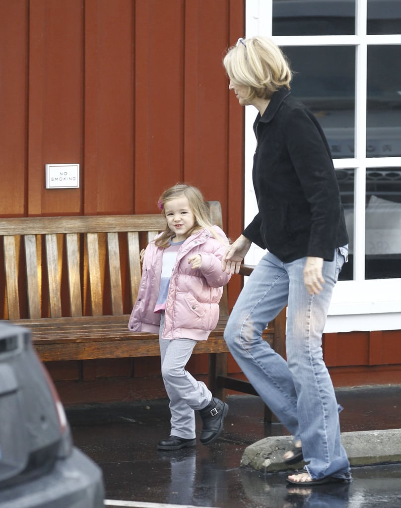 Seraphina Affleck walked with Chris Affleck after breakfast.