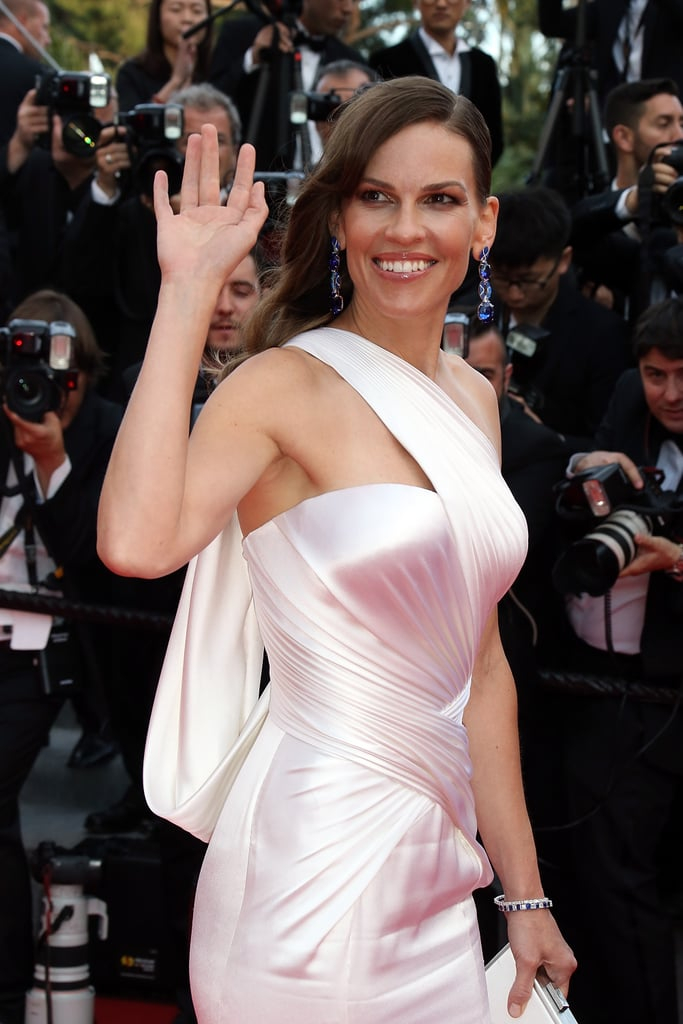 Hilary Swank waved to the crowd at the Sunday premiere of The Homesman.