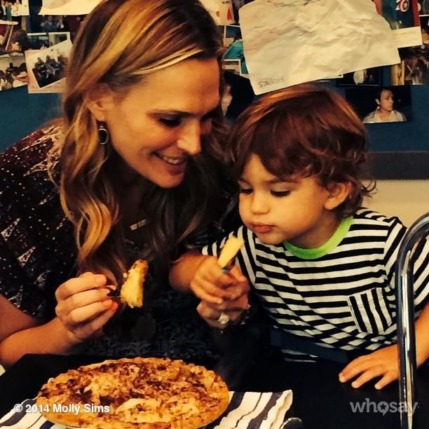Molly Sims and Brooks Stuber tasted an all-American apple pie together. Source: Instagram user mollybsims