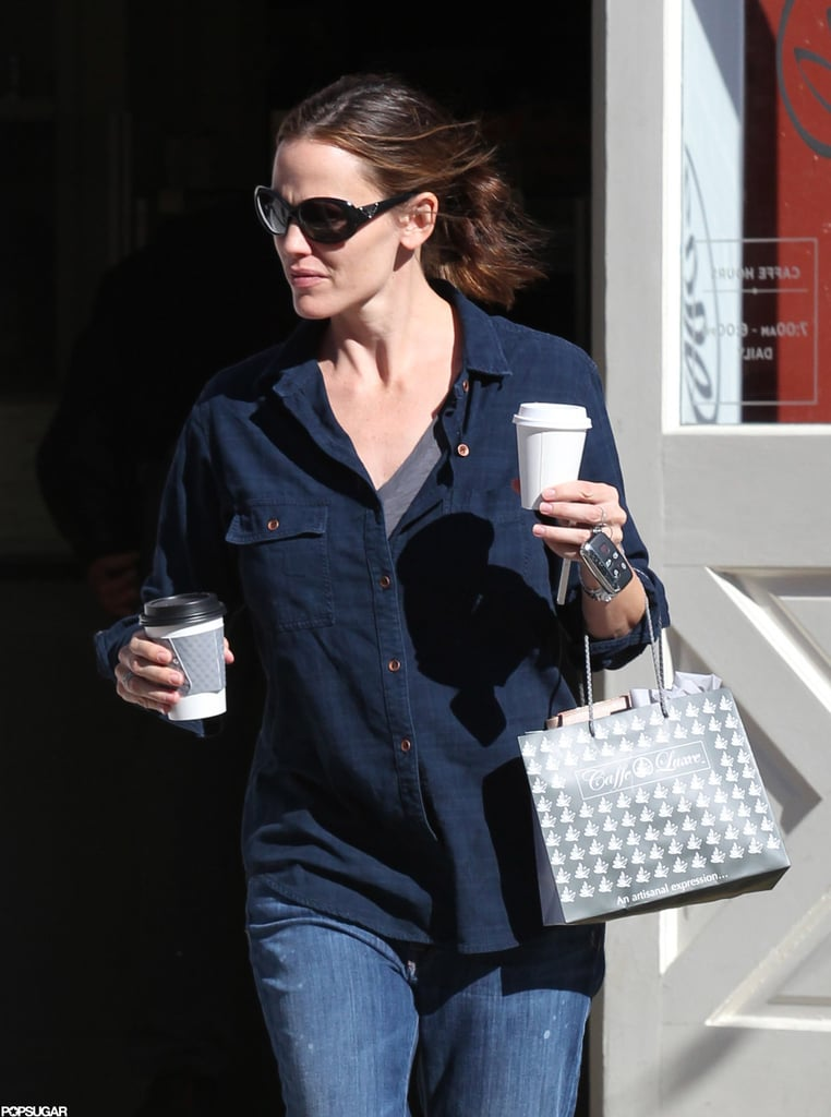 Jenifer Garner stepped out in a blue shirt in LA.