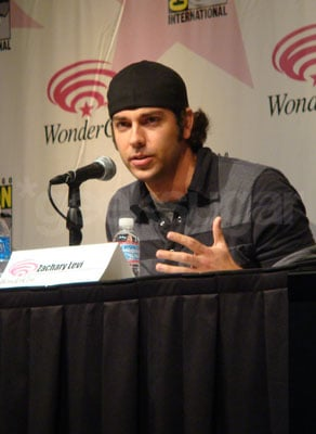 Zachary Levi Displays Gaming Prowess at the Chuck Panel at Wondercon 2009