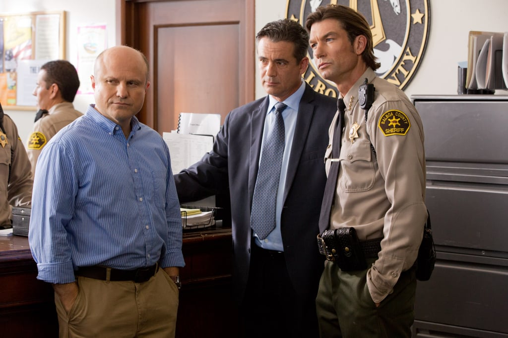 Enrico Colantoni stars as Veronica's dad, and yes, that's Jerry O'Connell.