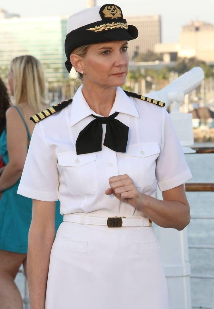 Kerri Kenney guest-stars as Captain Jan Nortis.