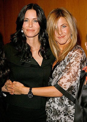 Courteney Cox Says She Wants Jennfier Aniston on Cougar Town