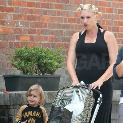 Gwen and Kingston Stroll in London