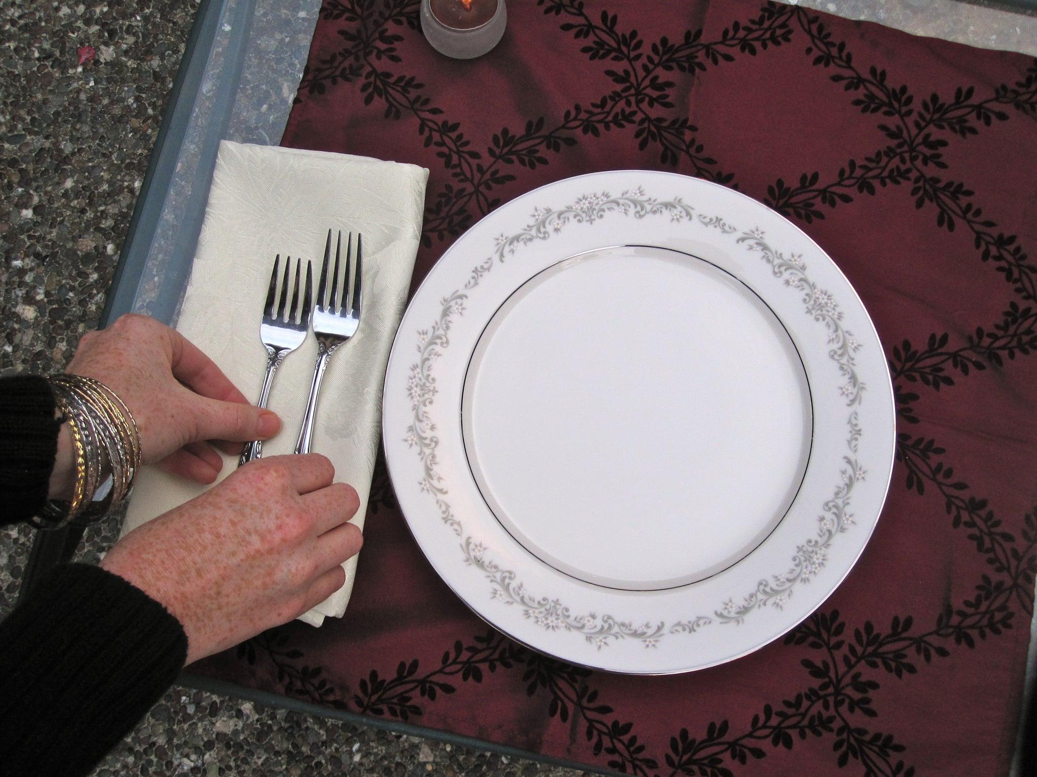 Arrange the forks in order.