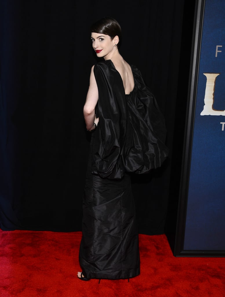 Anne Hathaway Goes Dark and Dramatic at NYC's Les Misérables Premiere