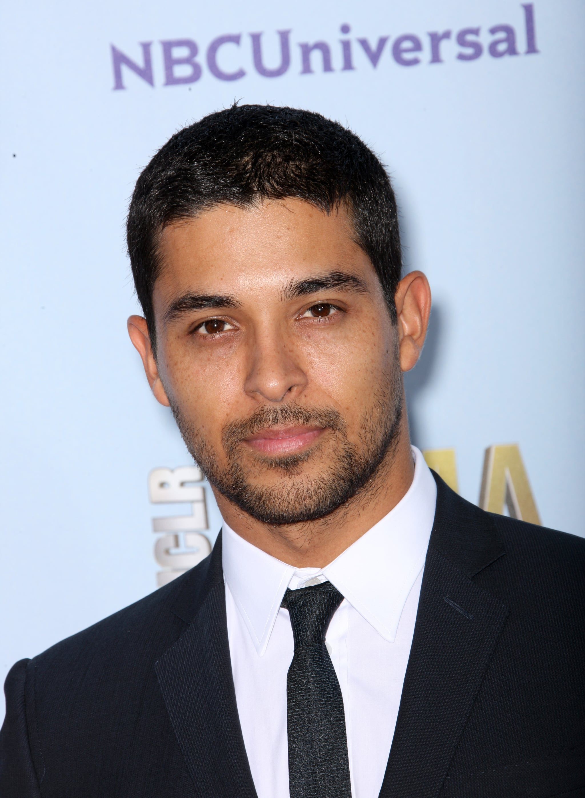 Wilmer Valderrama posed on the ALMA Awards red carpet.