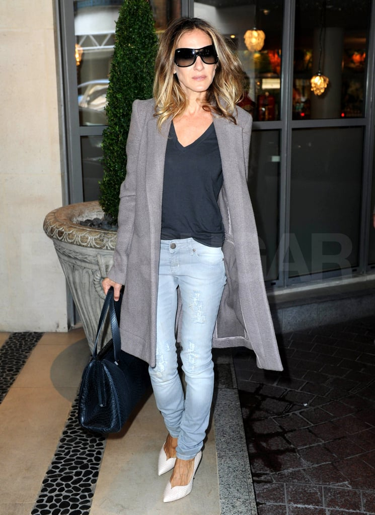 Sarah Jessica Parker goes casual in London.