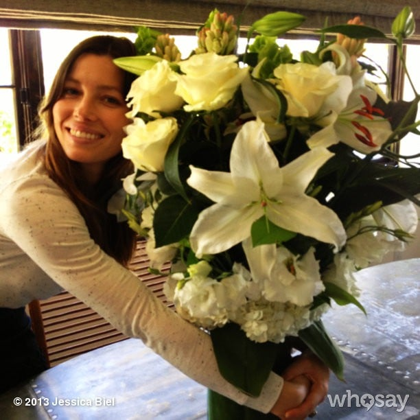 Jessica Biel got a special delivery of blooms from Elle creative director Joe Zee. Source: Jessica Biel on WhoSay