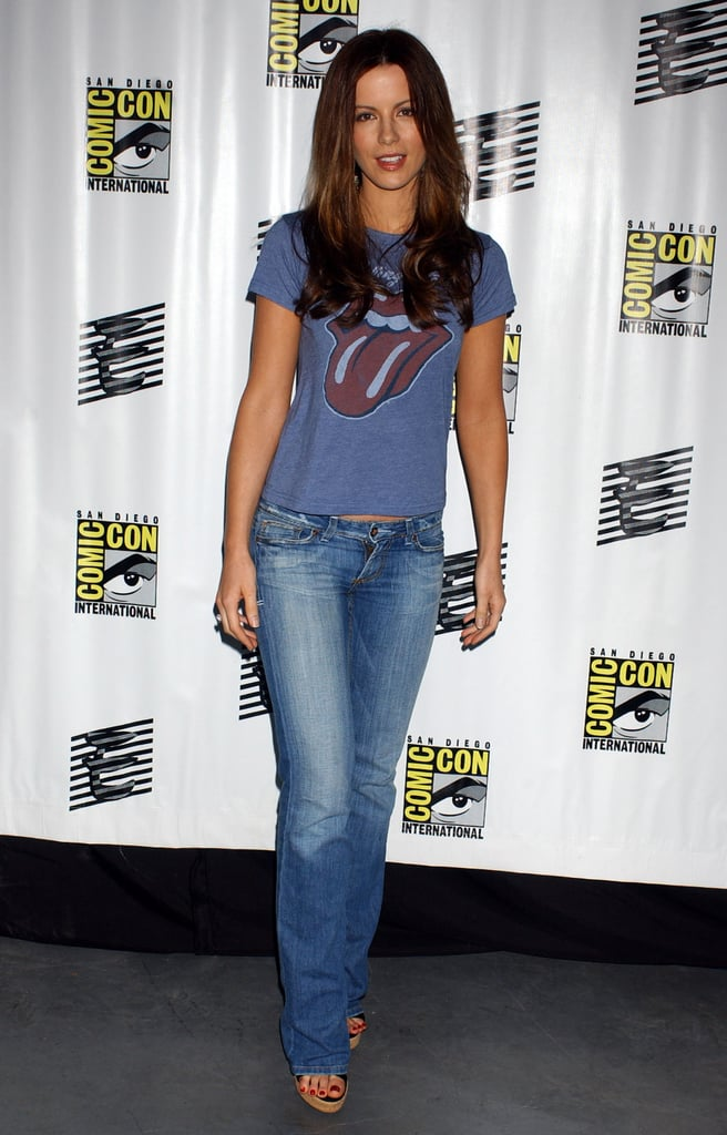 Kate's 2006 Comic-Con look was part-grunge, part-girlie with a Rolling Stones Junk Food tee and sweet wedges.