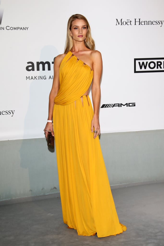 Rosie Huntington-Whiteley wore a bright yellow gown.