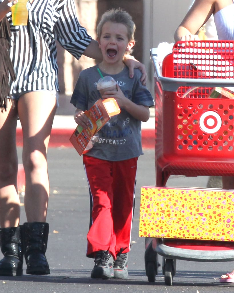 Britney Makes a Sunday Stop at Target With Her Boys and Jamie Lynn