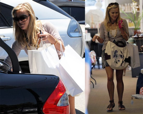 Photos of Reese Witherspoon Shopping in LA 2009-07-03 10:00:32
