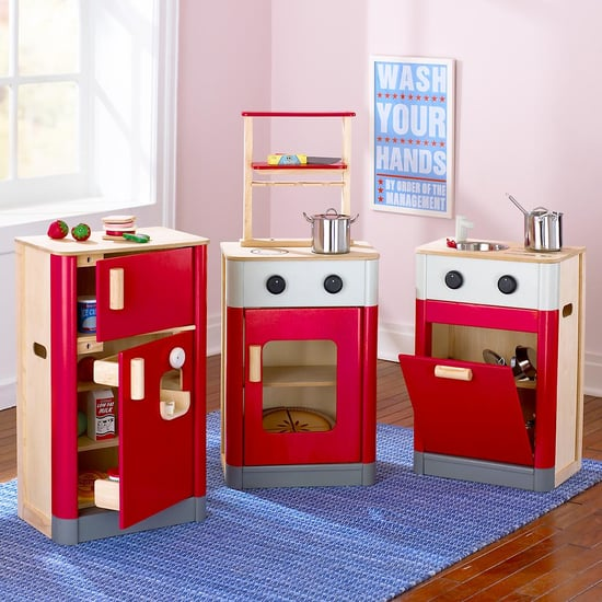 Top 5 trends spotted at toy fair 2009 popsugar moms for Best kitchen set for 5 year old