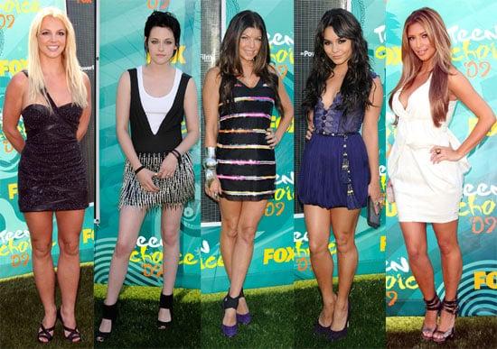 Photos of Britney Spears, Miley Cyrus, Kristen Stewart, Kim Kardashian, Vanessa Hudgens at the Teen Choice Awards Red Carpet