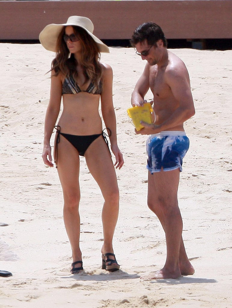 Kate Beckinsale paired her bikini with heels and a hat during a September 2010 visit to Mexico with her husband, Len Wiseman.