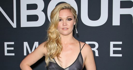 Follow Julia Stiles' Red Carpet Trick for Side-Swept Hair That Lasts