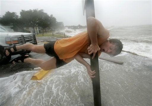 Hurricane Ike Slams Texas Coast With Major Floods