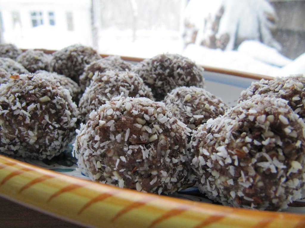 Coconut Cacao Snowballs