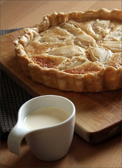 Yummy Link: Pear and Almond Tart