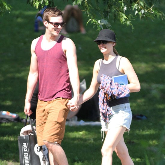 Jennifer Lawrence and Nicholas Hoult Back Together Pictures
