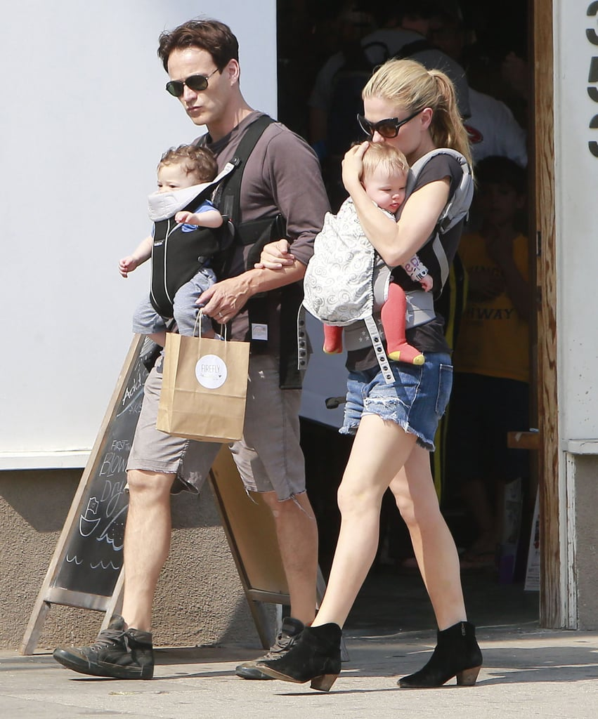 Anna Paquin and Stephen Moyer walked in LA's Venice neighborhood with their twins.