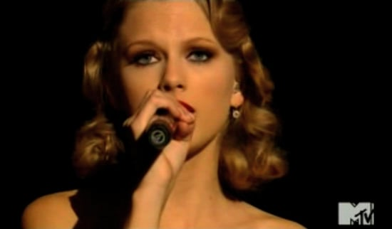 Video of Taylor Swift Performing at the 2010 MTV Video Music Awards 2010-09-12 20:15:46