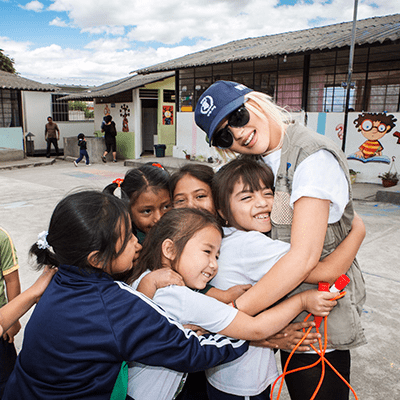 Celebrities Doing Charity Work   Pictures
