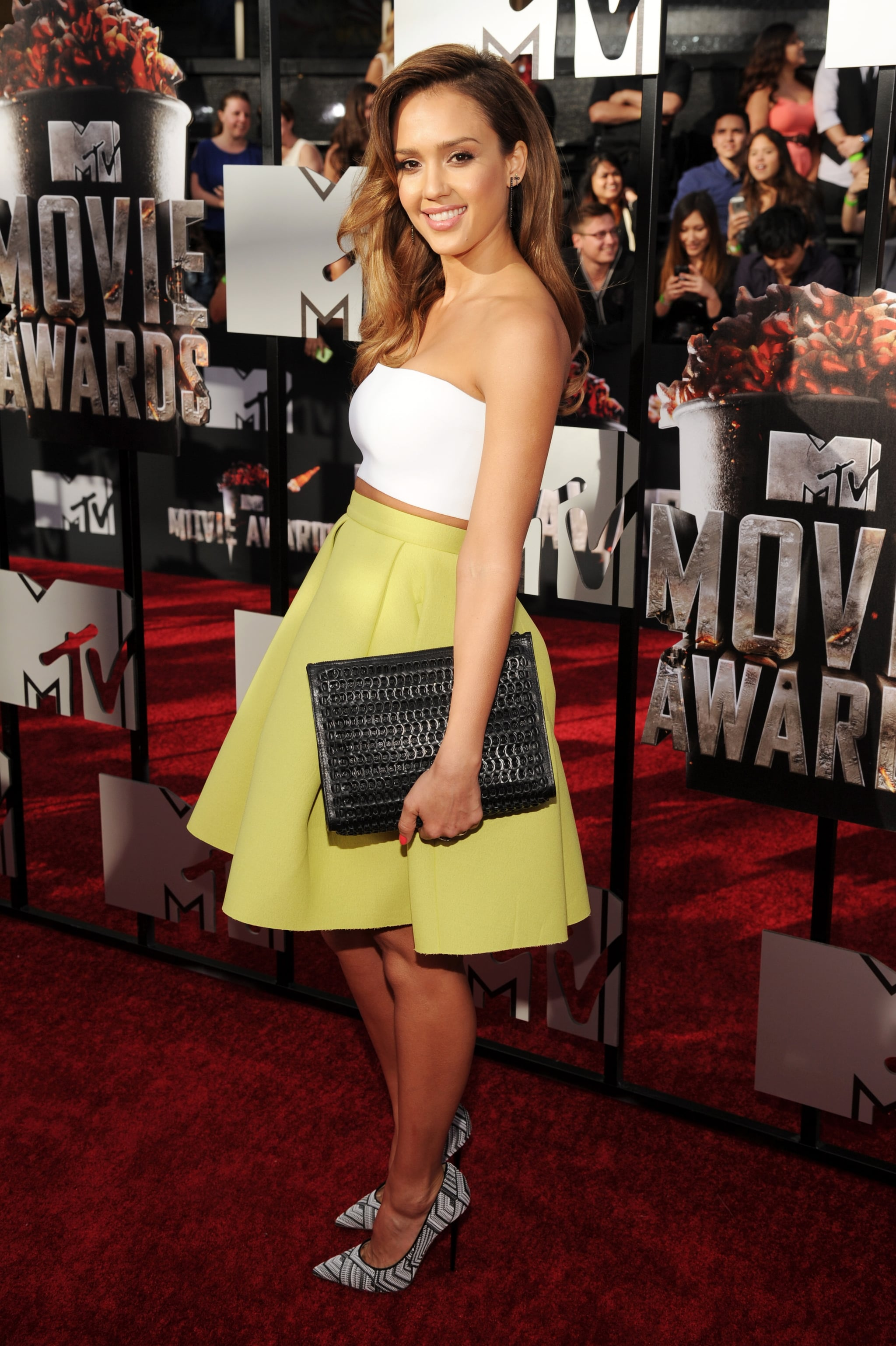 Jessica Alba Lights Up the MTV Movie Awards