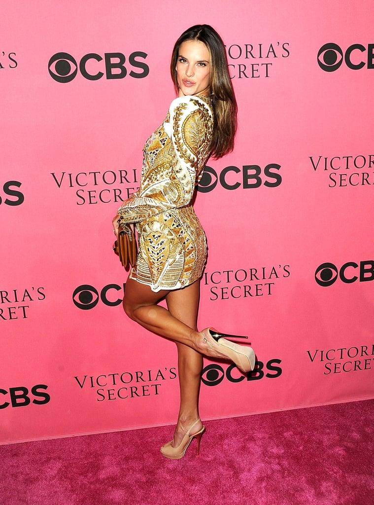 Alessandra Ambrosio blew a kiss on the pink carpet.