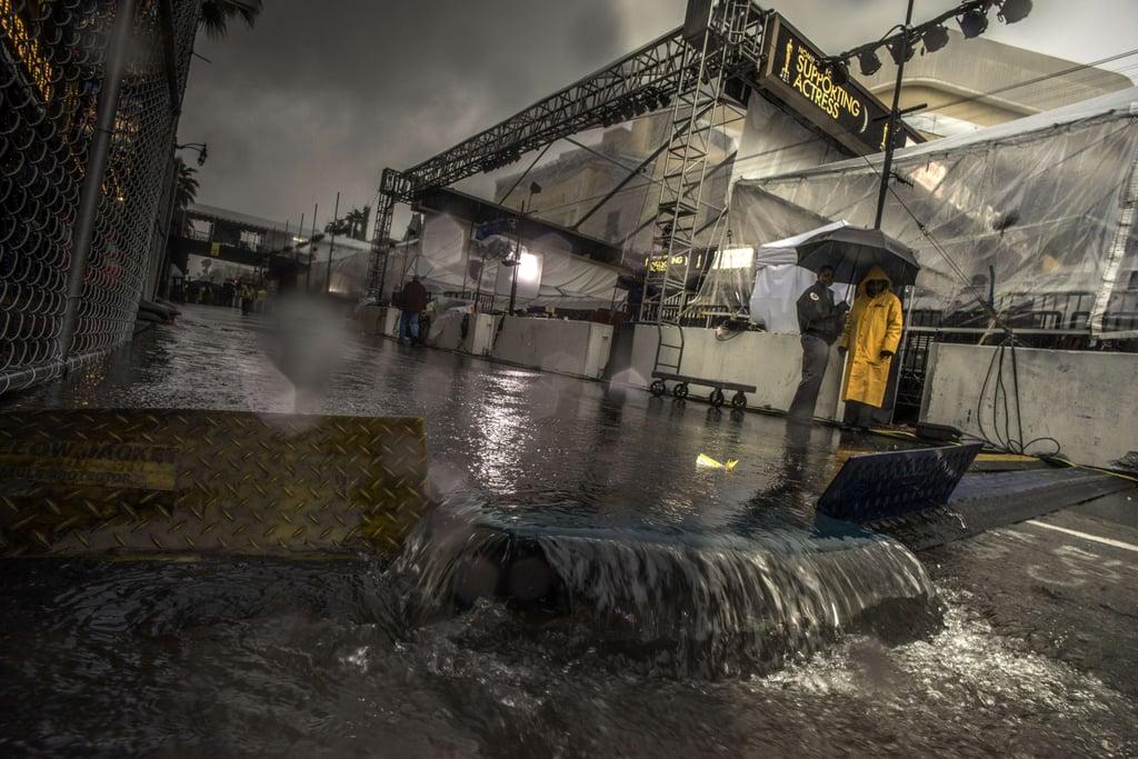 Heavy Rain Threatens the Oscars Red Carpet