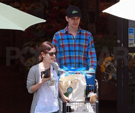 Photo Slide of Rachel Bilson and Hayden Christensen at a Whole Foods in LA