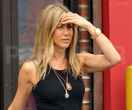 Photo Slide of Jennifer Aniston Looking Casual on the NYC Set of The Bounty