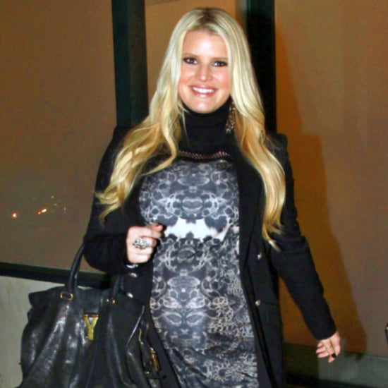 Pregnant Jessica Simpson Pictures at Dinner With Ashlee