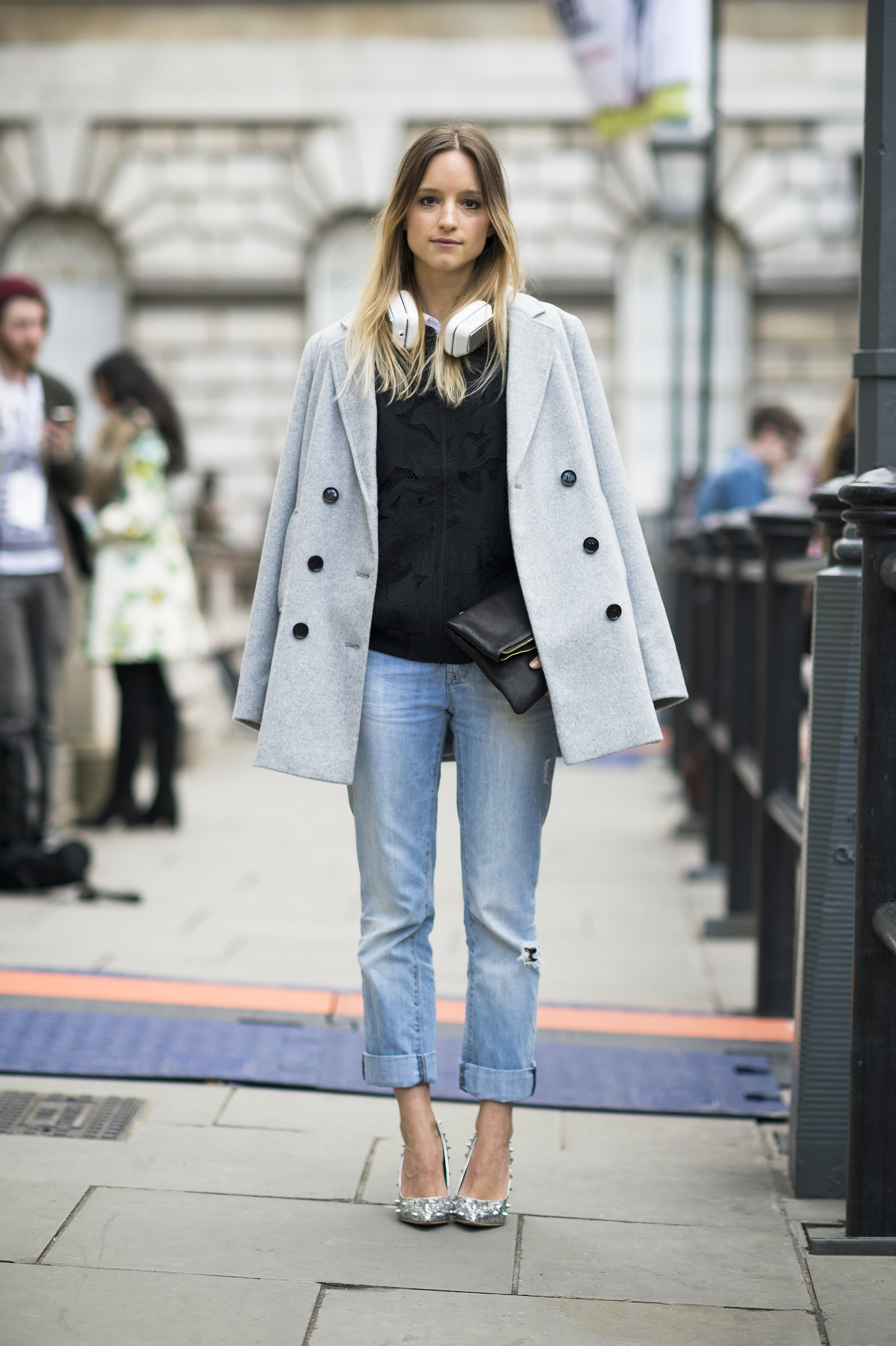 Oh how sophisticated your boyfriend jeans will look with your favorite menswear-inspired coat tossed nonchalantly over your shoulders.  Source: Le 21ème | Adam Katz Sinding