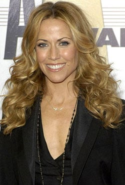 How-To: Sheryl Crow's Country Music Awards Makeup