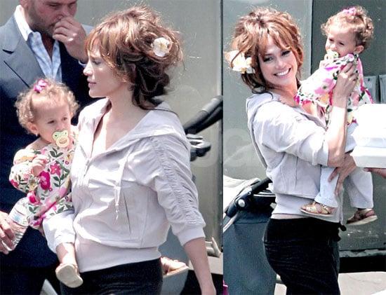 Jennifer on Set With Emme