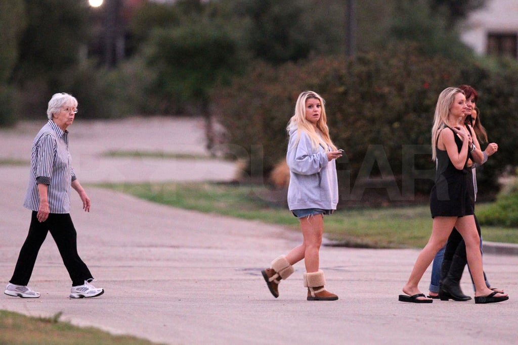 Jessica Simpson took a walk in Dallas with her family.