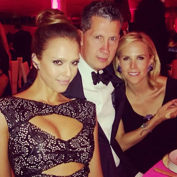 Jessica Alba sat at her table with designer Tory Burch and W magazine's Stefano Tonchi. Source: Instagram user jessicaalba