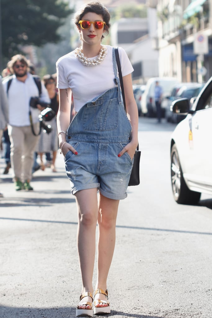 Who knew that overalls and mirrored shades paired so well with pearls?