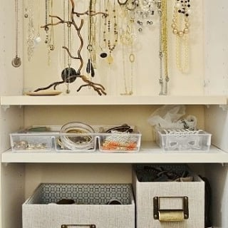 How to Organize Jewelry