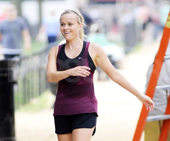 Photo Slide of Reese Witherspoon Filming How Do You Know in Washington, DC
