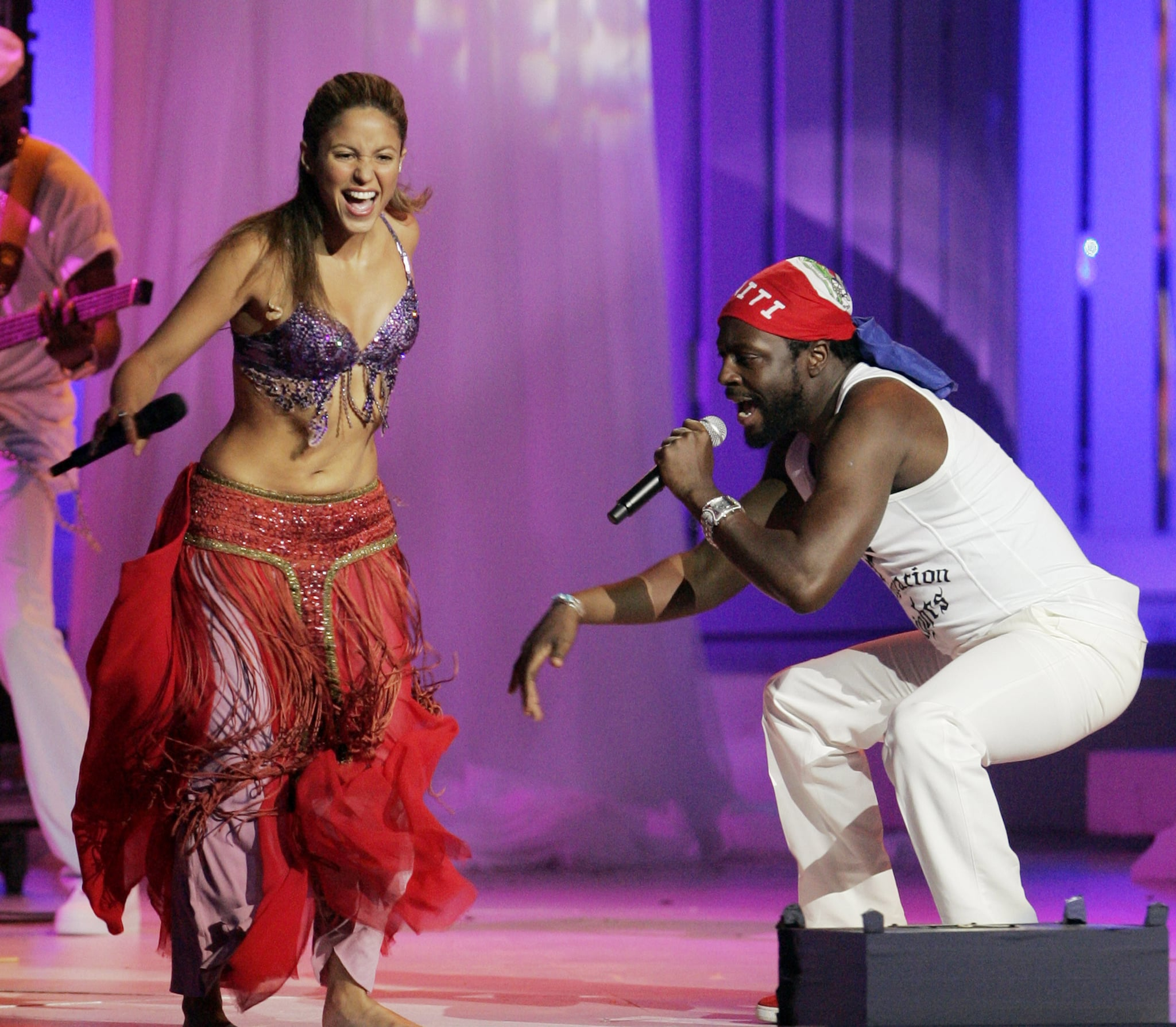 Shakira and Wyclef Jean shared the stage in December 2006.