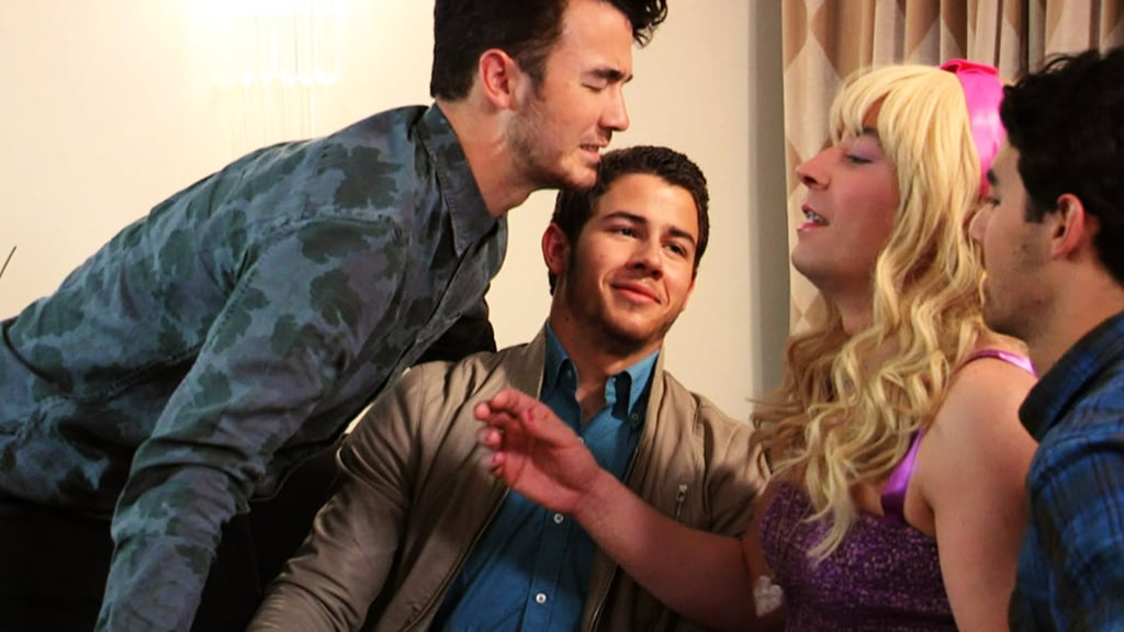 """Ew!"" With the Jonas Brothers"