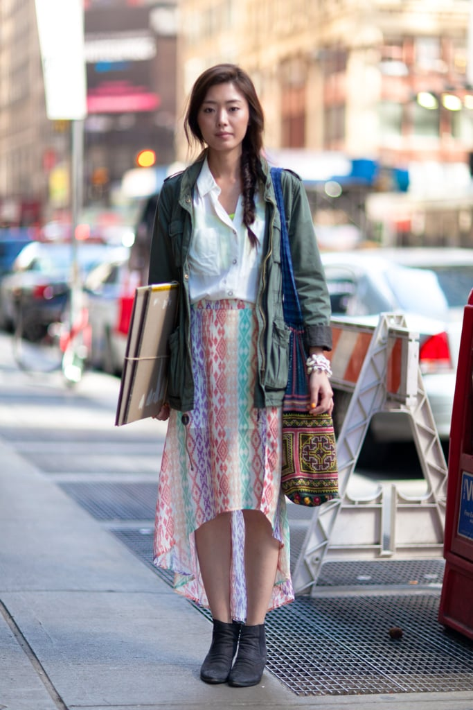 Casual, but cool, thanks to a bold printed skirt and a great carryall. Source: Le 21ème | Adam Katz Sinding