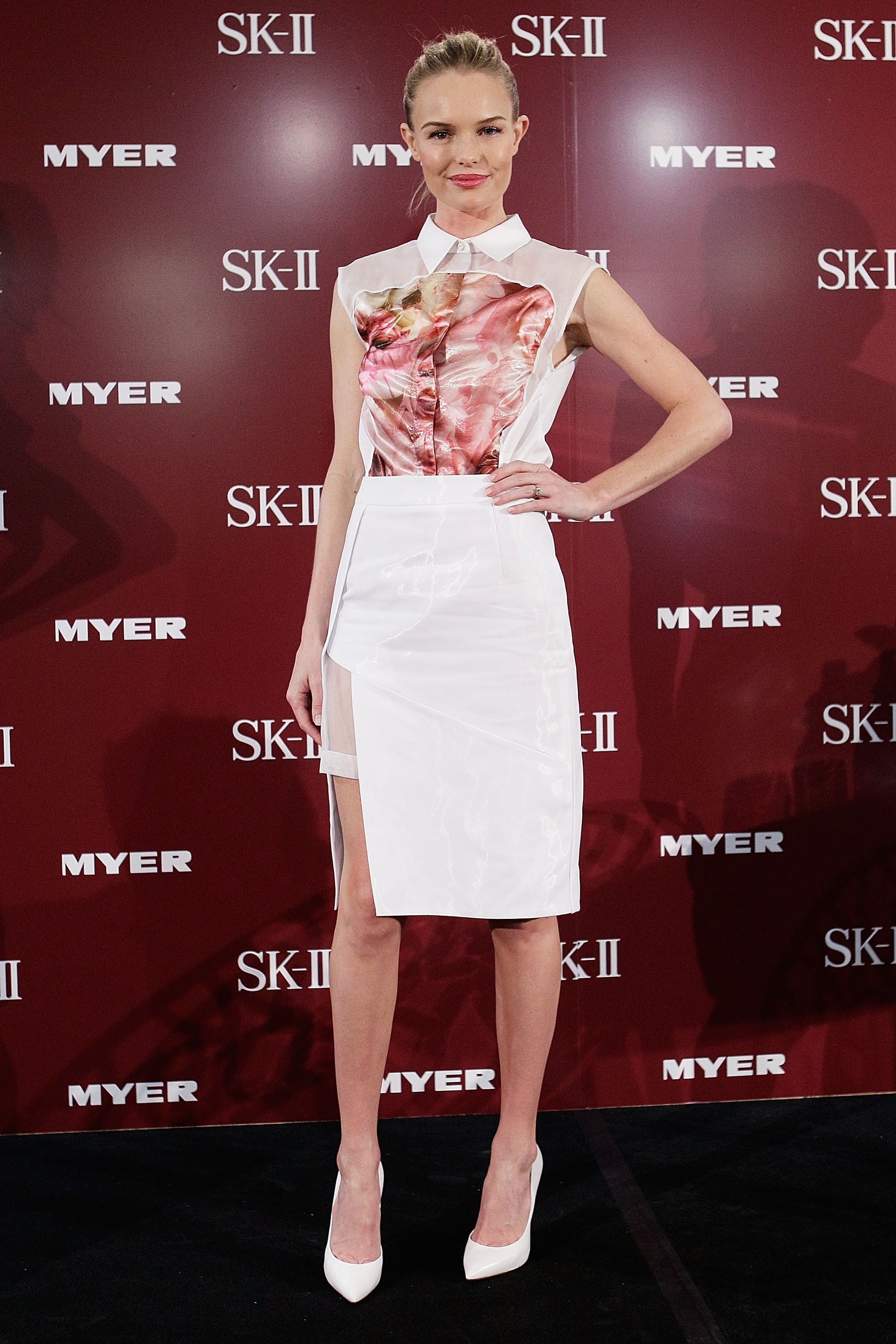 Kate Bosworth's Preen dress had a high slit that showed off her legs in Sydney.