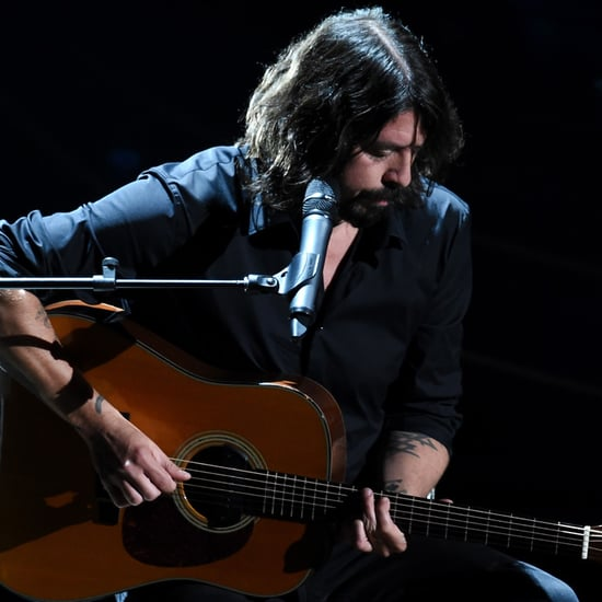 "Dave Grohl Sings ""Blackbird"" at the Oscars In Memoriam 2016"