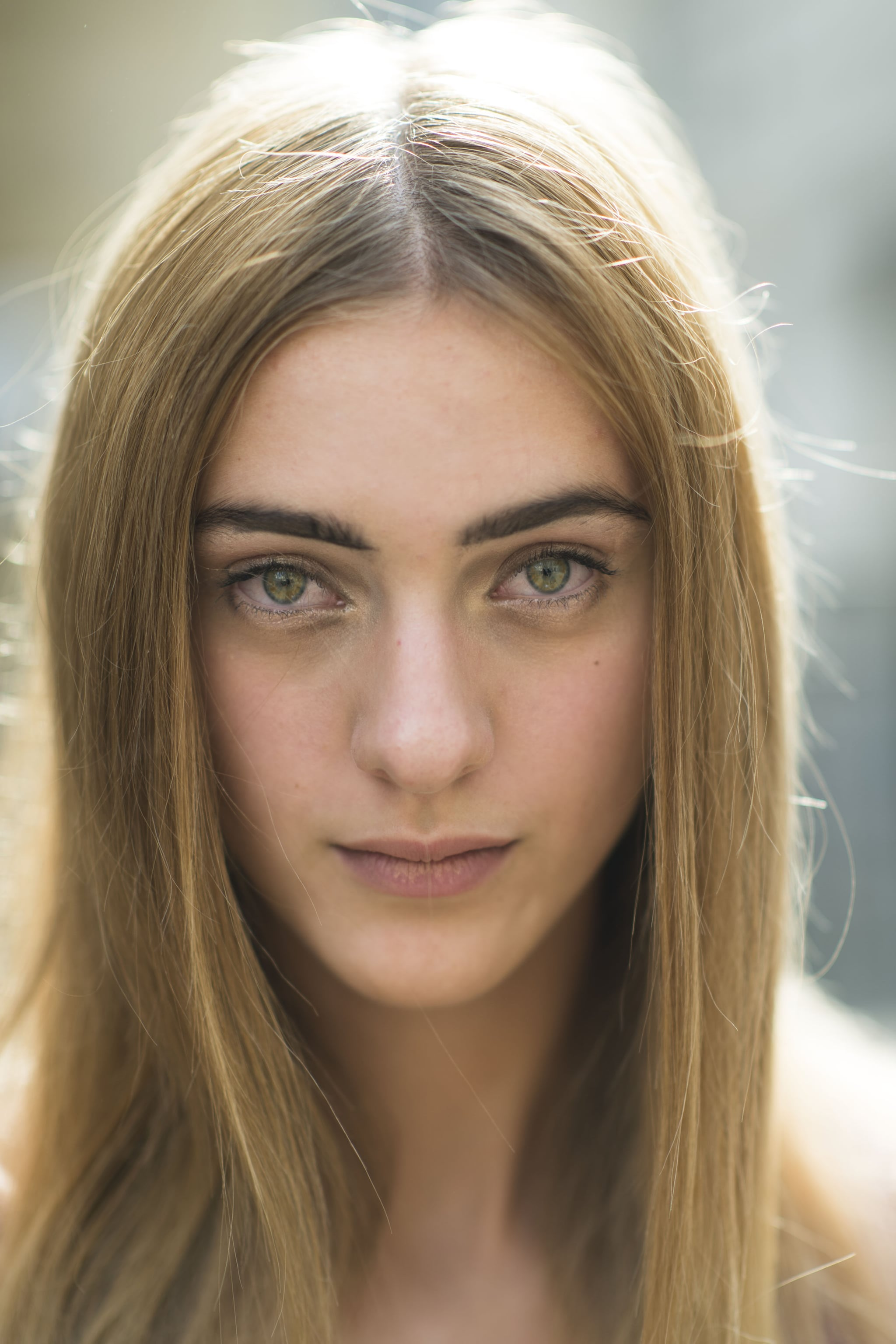 A center part and dark brows perfectly framed her face. Source: Le 21ème | Adam Katz Sinding