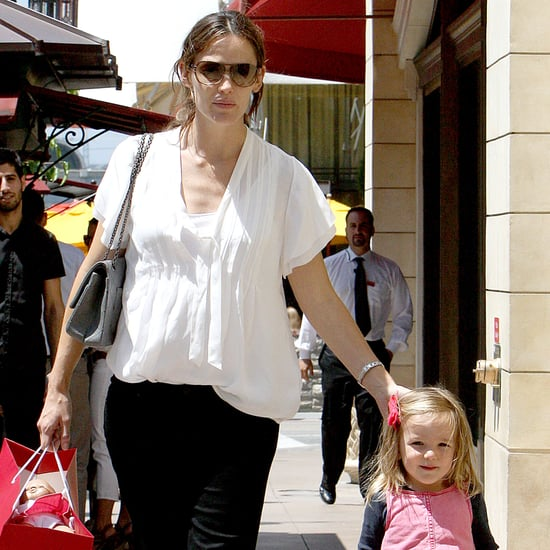Jennifer Garner With Violet and Seraphina at American Girl